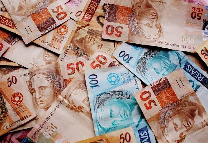 Votação mantém salário dos vereadores em R$ 10.044,00