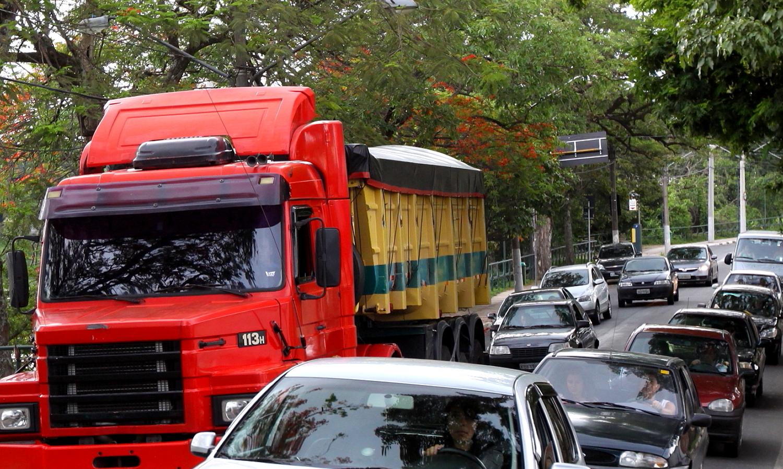 Rota de cargas pesadas diminui em 51% o trânsito de caminhões na cidade