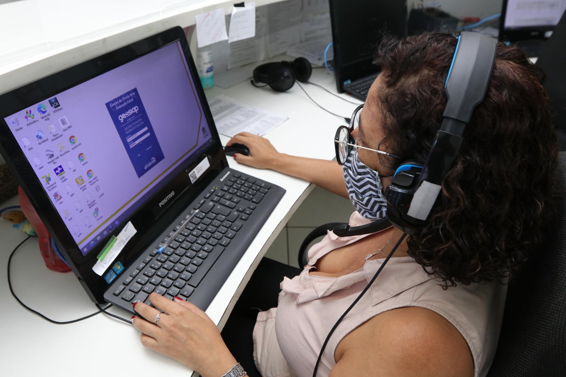 Jacareí oferece atendimento gratuito para diversos serviços e disponibiliza canais de atendimento
