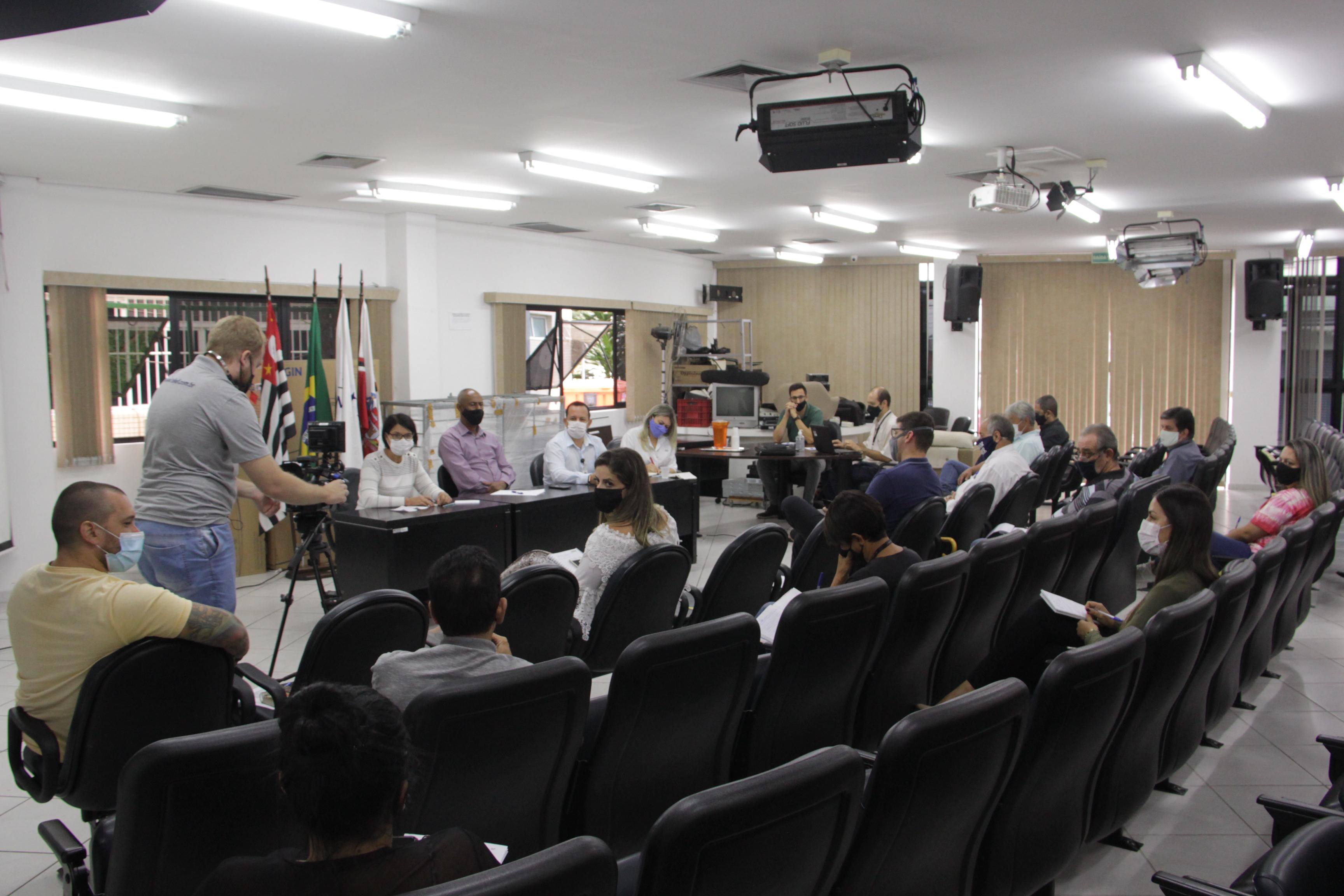 Câmara sedia encontro com EDP e Prefeitura em busca de soluções para quedas de energia