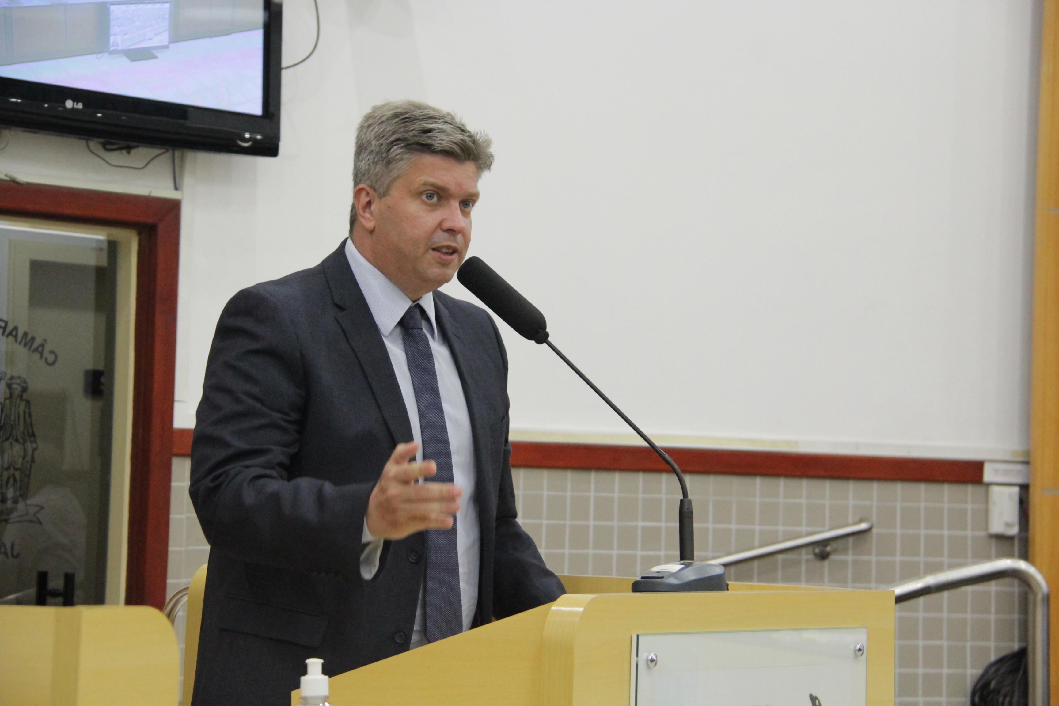 Vereador questiona prefeito sobre obras para contenção de enchentes de 2017 a 2020