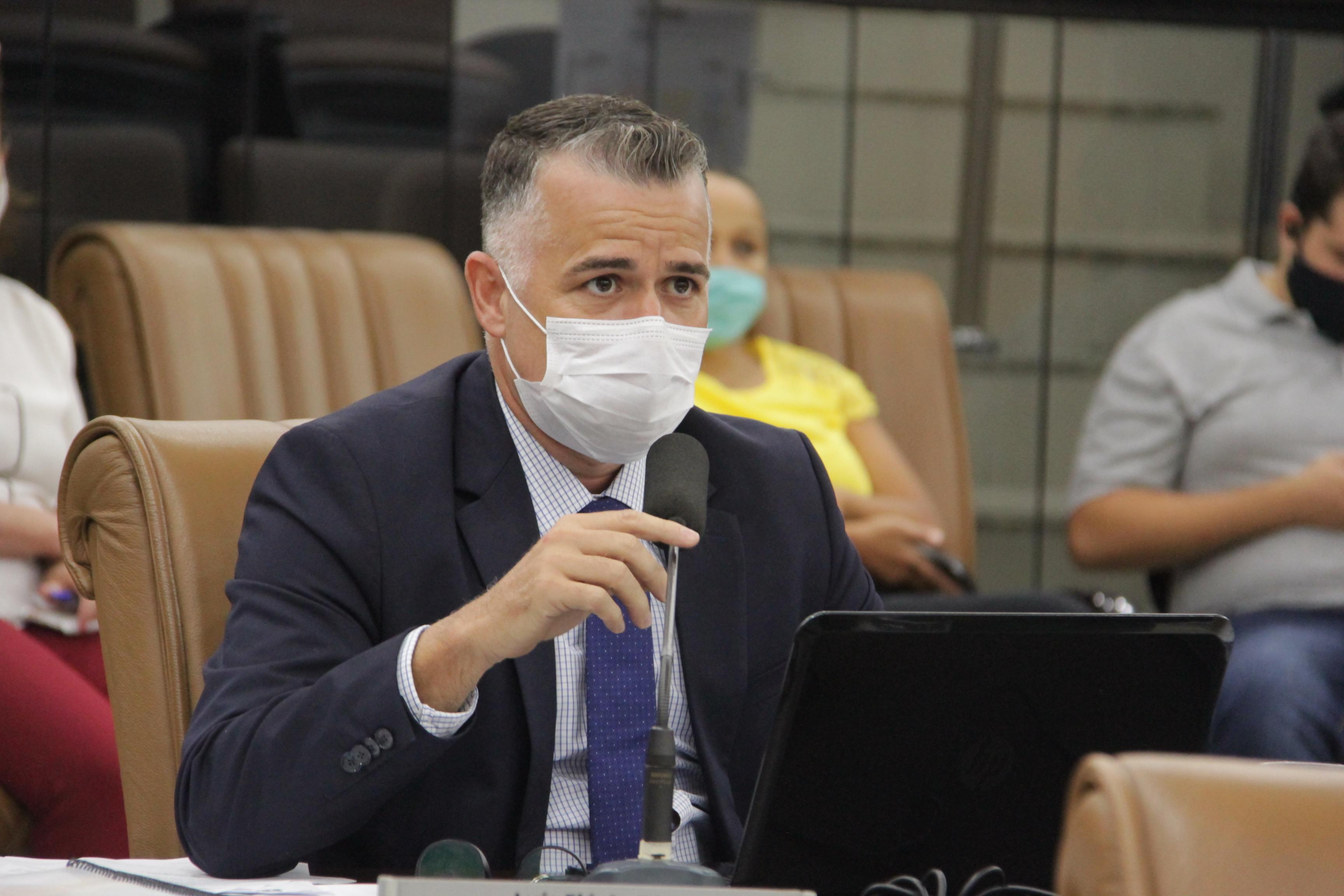 Vereador questiona suposto não atendimento em reclamações feitas pelo Conecta Jacareí