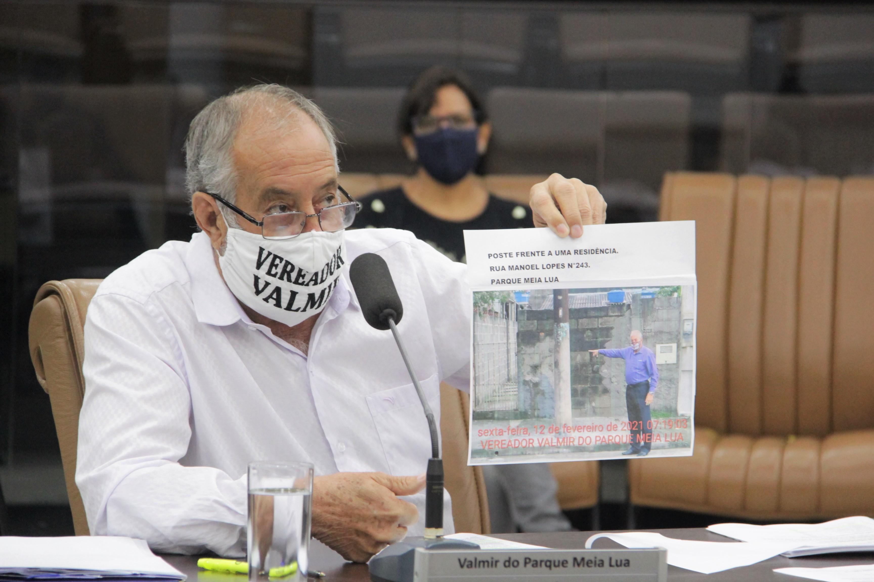 Valmir questiona pontos do contrato entre a Prefeitura e Ambiental