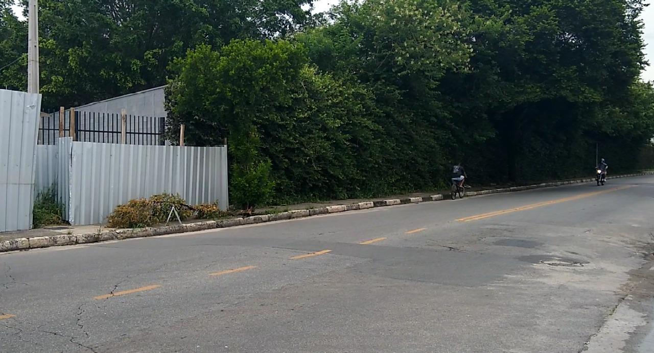Maria Amélia aciona governo estadual para manutenção em calçada no Jardim Santa Maria