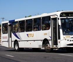 Crianças ficam sem ir às aulas por falta de ônibus em Jacareí