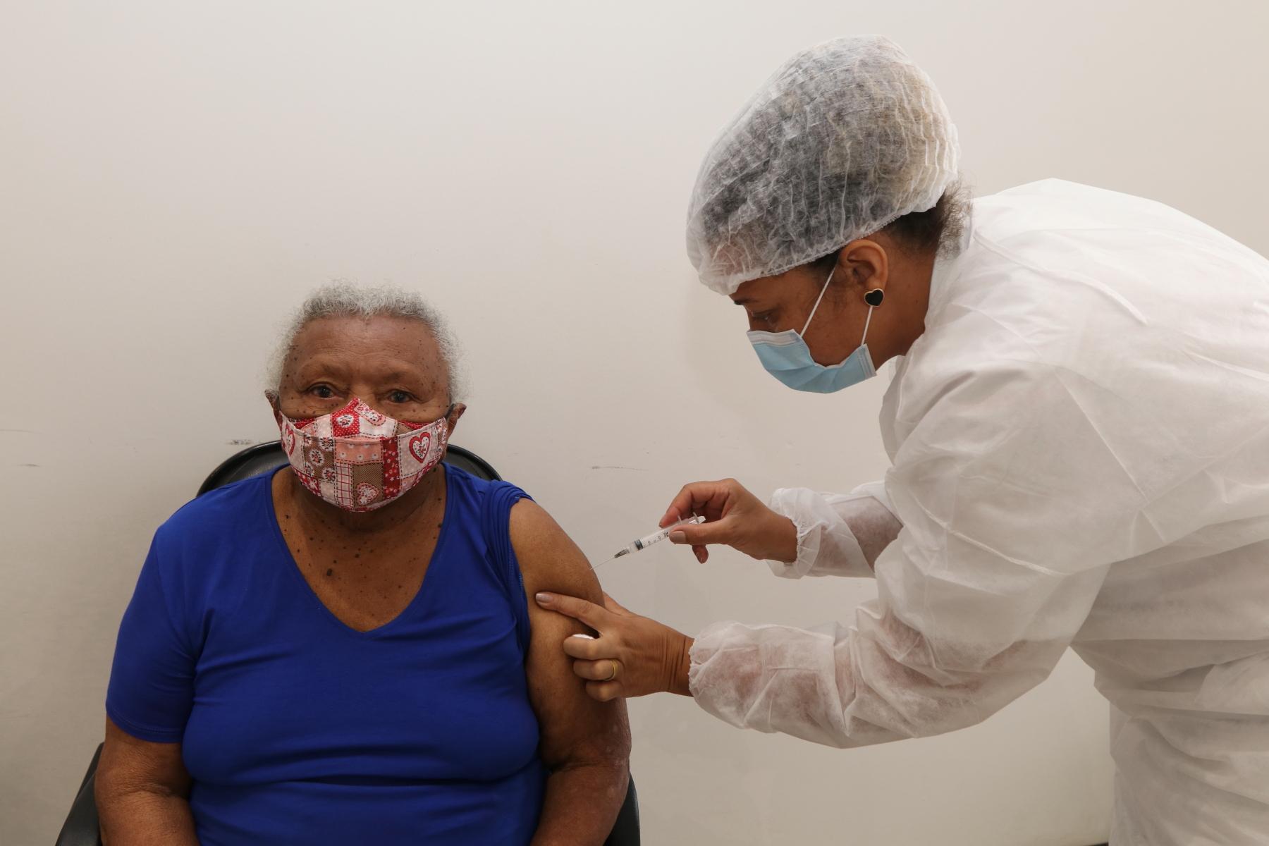 Jacareí segue com aplicação de segunda dose da vacina nesta quinta-feira