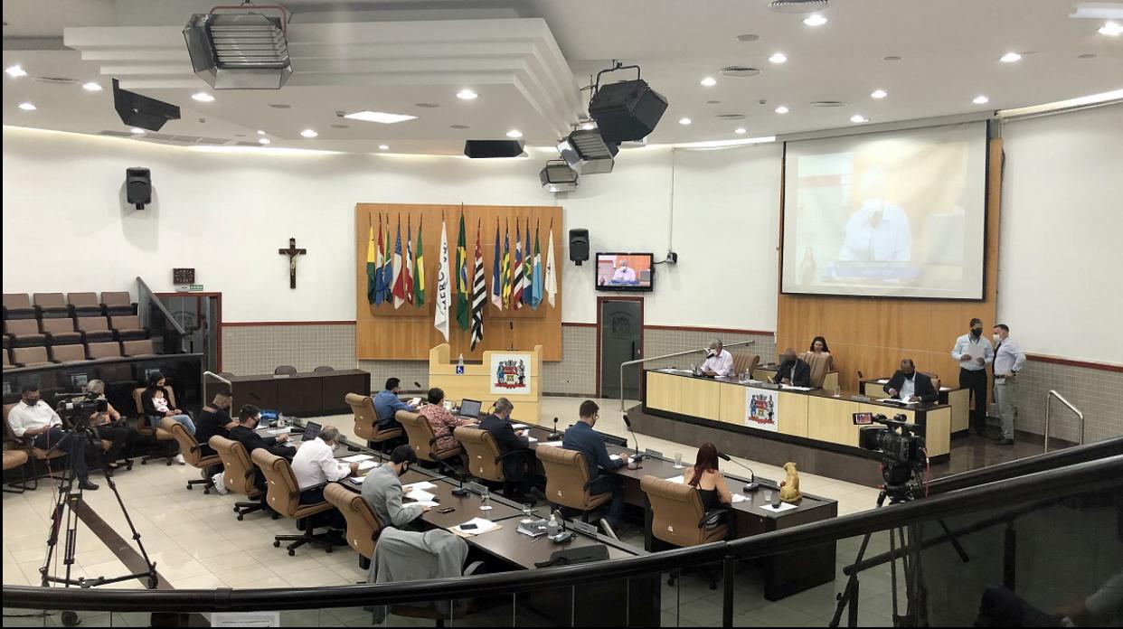 Câmara de Jacareí aprova compra de vacinas contra Covid-19 através de consórcio com Frente Nacional de Prefeitos