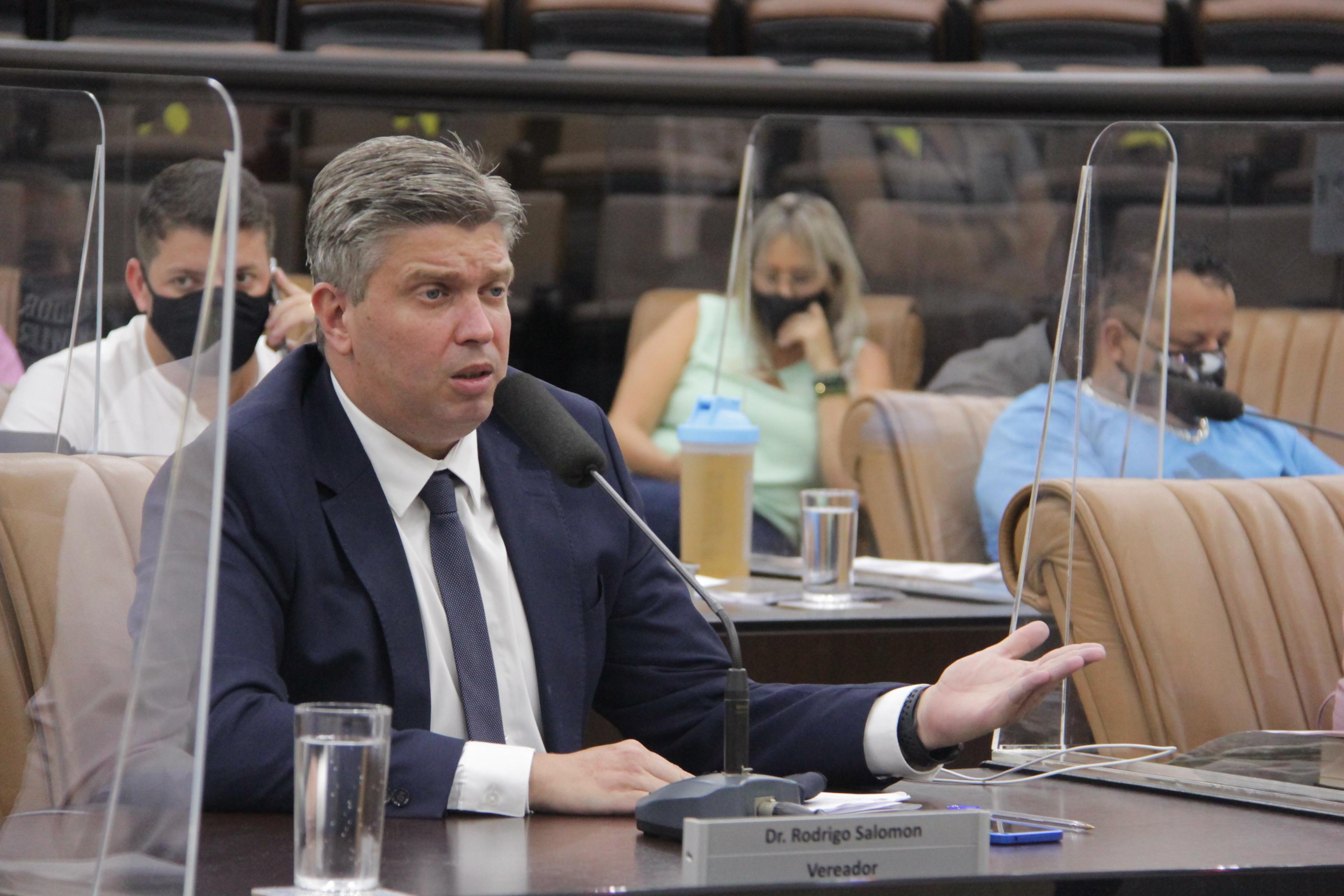 Vereador questiona gestão da Caminhos de Damasco nas UPA de Jacareí