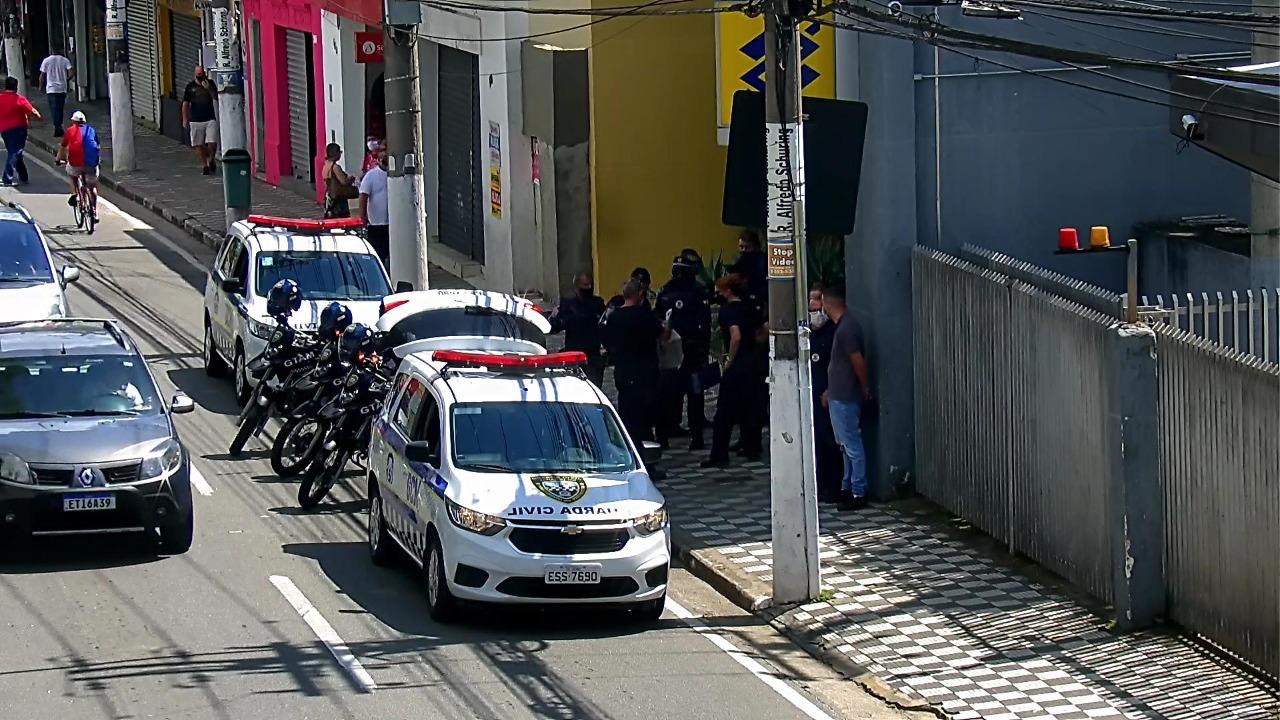 Trio é preso por furto qualificado no centro de Jacareí