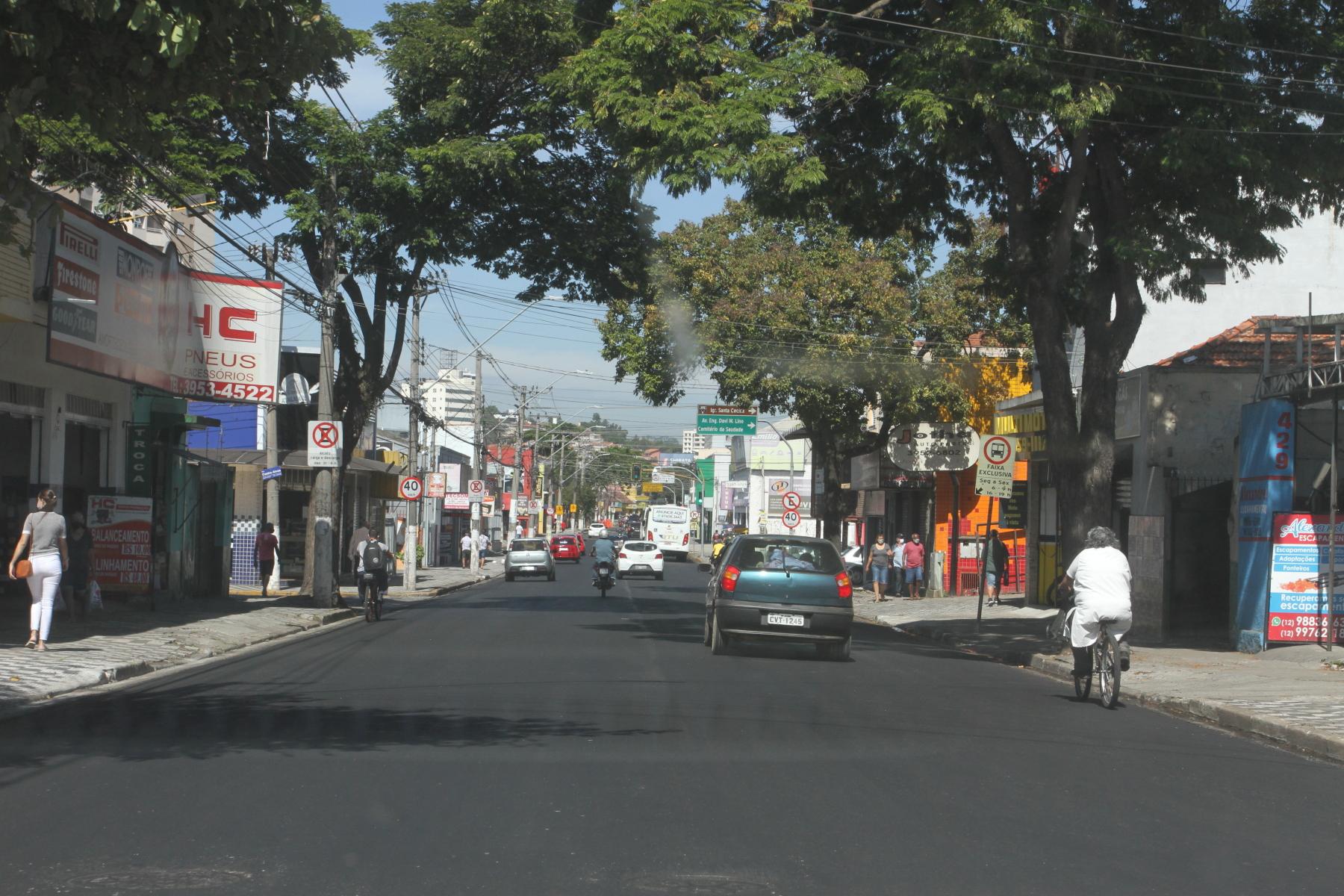 Ruas da região central de Jacareí passam por recapeamento