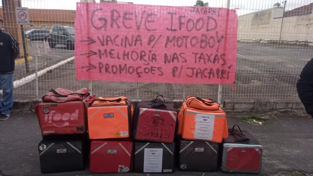 Entregadores de aplicativo realizam greve em Jacareí