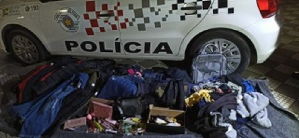 Trio é preso após roubo de mercadorias avaliadas em R$ 7 mil