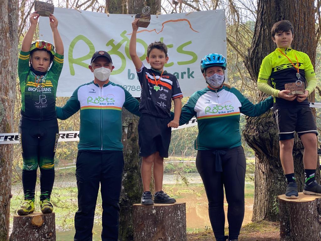 Jacareiense de 8 anos vence desafio de Mountain Bike em Campos do Jordão