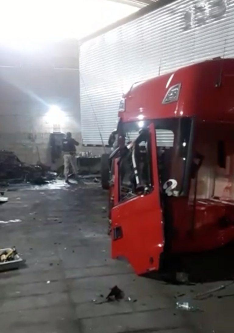 Quadrilha é presa em desmanche de caminhões roubados em Jacareí