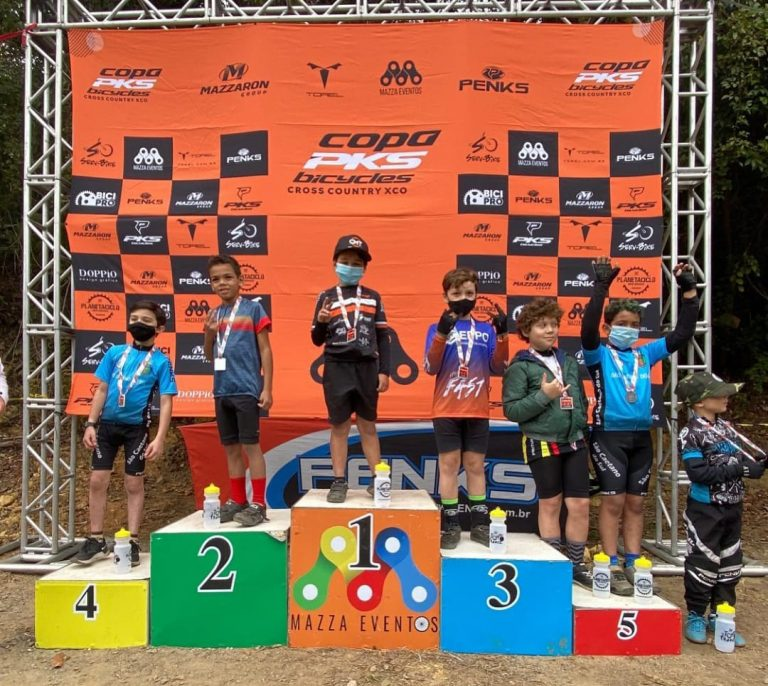 Ciclista Jacareiense de 8 anos vence dois campeonatos de Mountain Bike