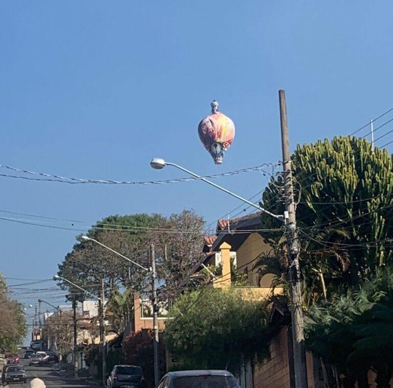 Soltar balões é crime